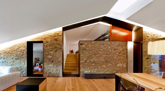 1-Interior-de-la-vivienda-en-la-granja-La-Carrera_20151125070202