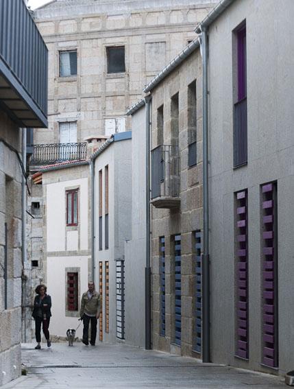 4 Fachadas de las rehabilitaciones en la calle San Sebastián c