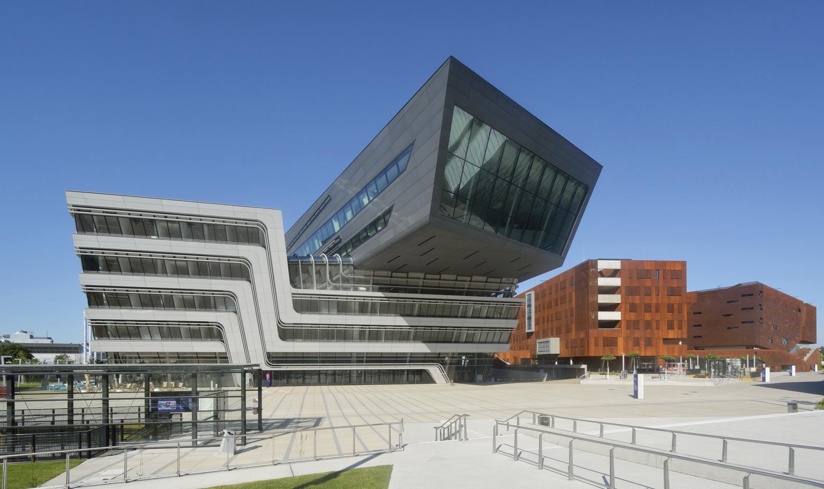 ZAHA Librería y Centro de Estudios de la Universidad de Estudios Económicos de Viena