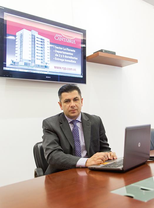 Xavier Molestina, Gerente Comercial de Romero & Pazmiño
