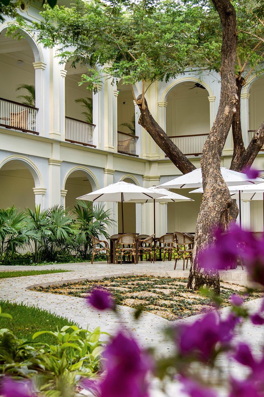 hotel del parque - clave turismo ecuador