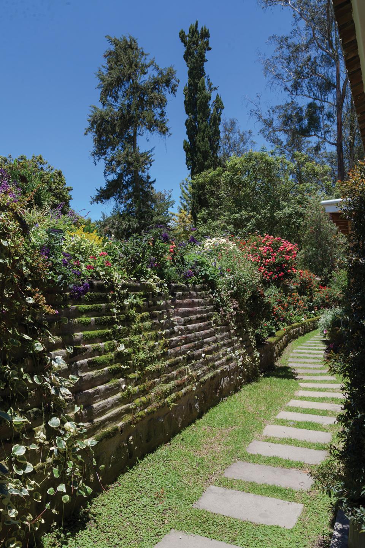 Pakakuna Gardens Clave Bienes Raíces