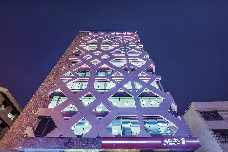 Revista Clave - Alvand Tower, Hariri & Hariri Arquitecture