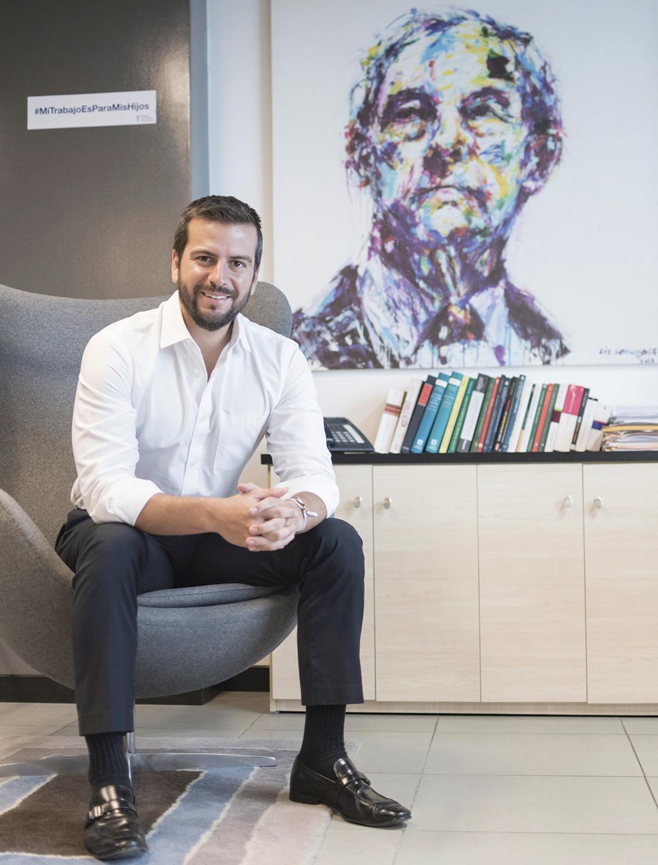 Revista Clave - Eco. Pablo Arosemena