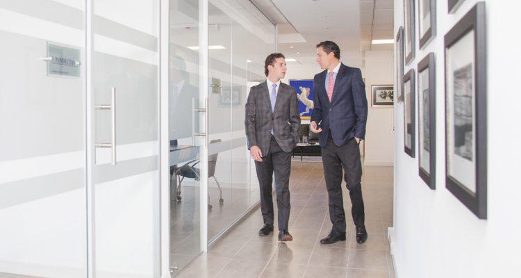 Sebastián Saa y Juan Bernardo Guarderas - Revista Clave!