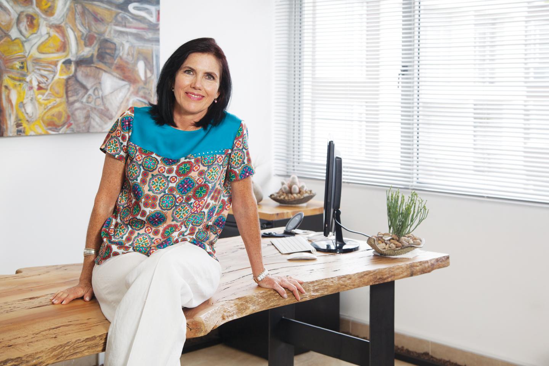 Ana María Burneo - Revista Clave!