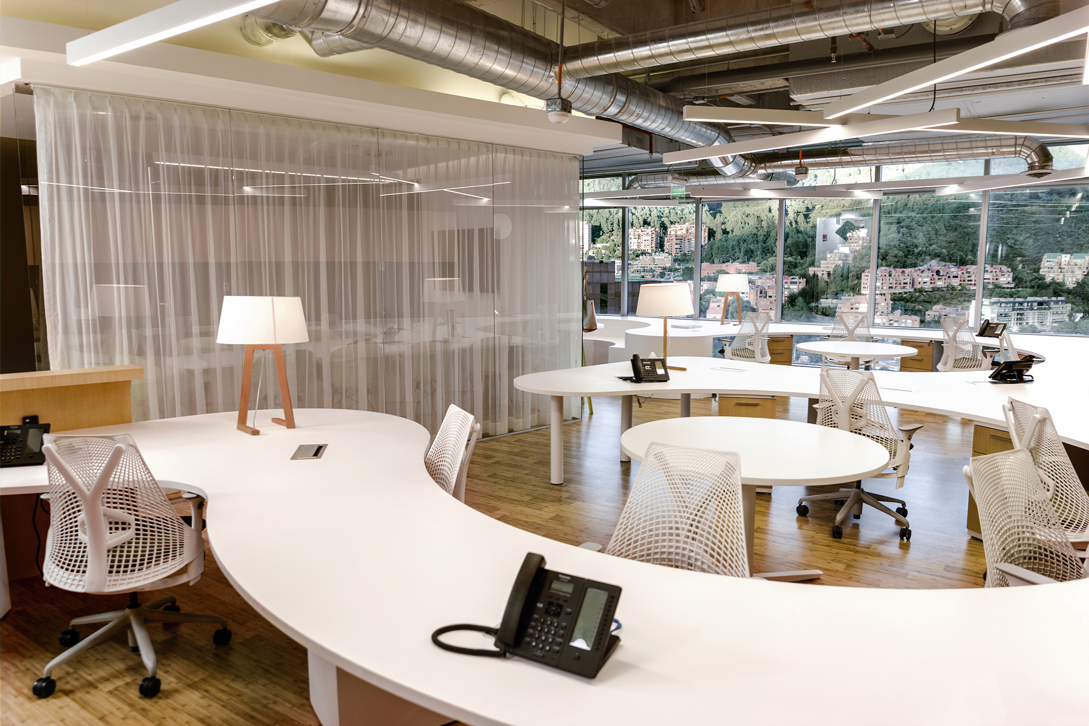 Contract Workplaces - Revista Clave!