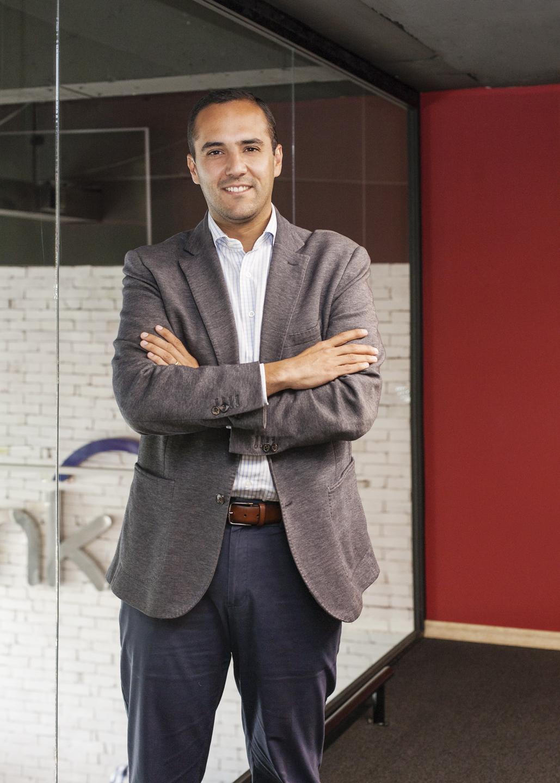 Juan Carlos Holguín - Revista CLAVE