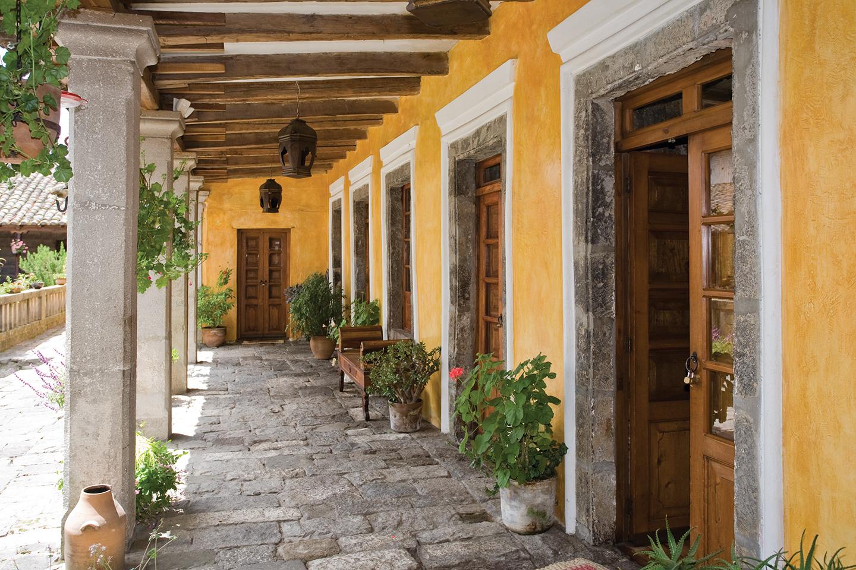 Hacienda San Agustín de Callo - CLAVE Turismo Ecuador