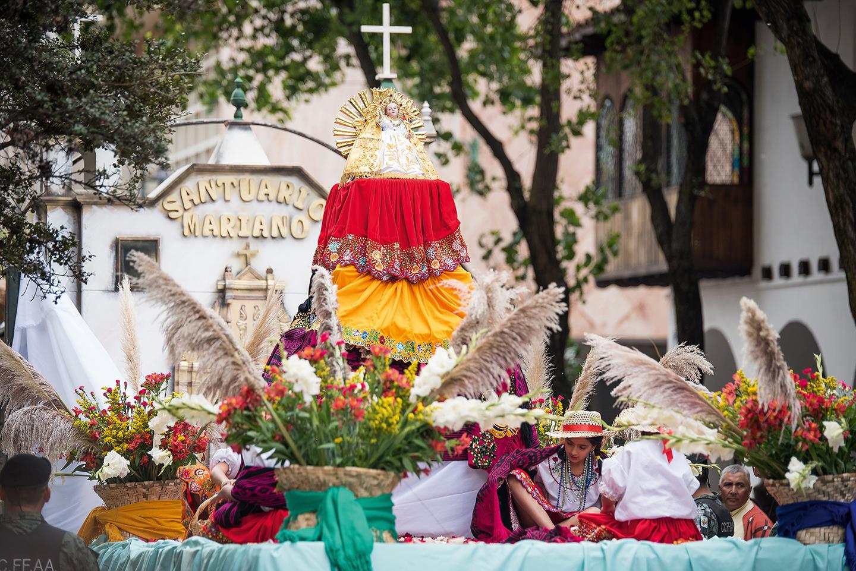 TRADITIONAL FESTIVITIES CUENCA - CLAVE Turismo Ecuador