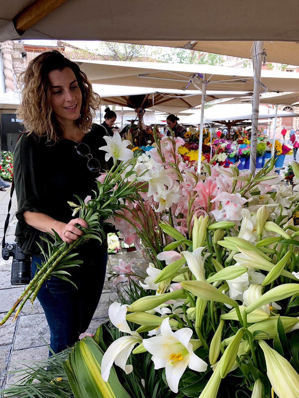 Plaza de las Flores - CLAVE! Turismo Ecuador