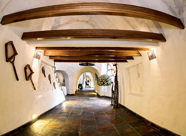 Hotel Las Cuevas - CLAVE! Turismo Ecuador