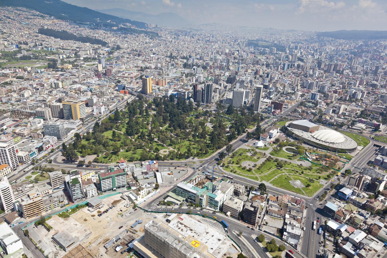 Peter Schweizer y Carlos Baraja - Contribución del sector inmobiliario al desarrollo urbano - Revista CLAVE!