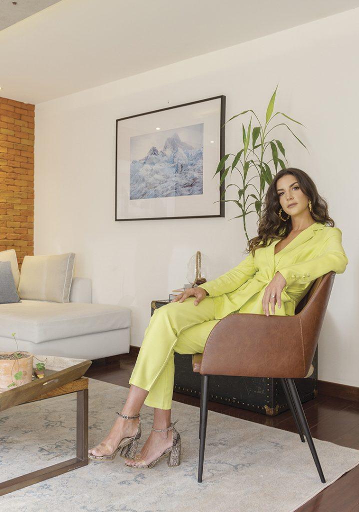 Isabella Chiriboga - Revista CLAVE Bienes Raíces